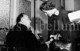 Postcard / ROYALTY / Belgique / België / Reine Fabiola / Koningin Fabiola / L'hôpital Saint Pierre / Bruxelles / 1961 - Gezondheid, Ziekenhuizen