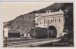 SUISSE BRIG Simplon Tunnel , Sortie Du Train ,locomotive Avec Wagons - VS Valais