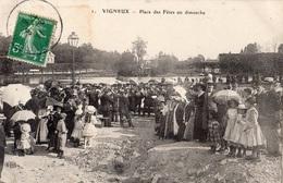 VIGNEUX-SUR-SEINE PLACE DES FETES UN DIMANCHE - Vigneux Sur Seine