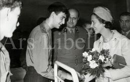 Photo Card / ROYALTY / Belgique / België / Reine Fabiola / Koningin Fabiola / A L'hôpital Militaire / Bruxelles / 1967 - Gezondheid, Ziekenhuizen