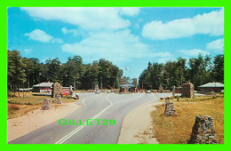 HUNSTVILLE, ONTARIO - GATEWAY AT WESTERN ENTRANCE TO ALGONQUIN PROVINCIAL PARK - - Ontario