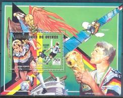F40- GUINEE REP 1990. ITALIA WORLD CUP WINNERS. FOOTBALL. SOCCER. - Soccer