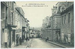 Bressuire Rue De Versaille Et L'ecole Maternelle - Bressuire