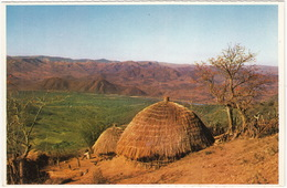 Zulu Huts, Sacred Valley - ( Discover South Africa With 'Shell' Series) - Zuid-Afrika