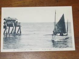 COURSEULLES Sur MER -  Barques De Peche Rentrant Au Port - Courseulles-sur-Mer