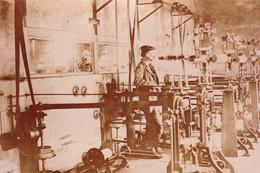 38,ISERE,USINE VERNAY ROZIER EN 1914,LES ROCHES DE CONDRIEU,FABRIQUE DE MECHES POUR EXPLOSIF,MACHINE OUTIL - Photographie