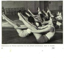 Studentinnen Der Berliner Universität Bei Ihren Pflicht-Leibesuebungen / Druck, Entnommen Aus Zeitschrift /1935 - Bücher, Zeitschriften, Comics