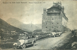 "683 ""HOSPICE DU PETIT SAINT BERNARD-VERSANT FRANCAIS(m.2158).- 2 TORPEDO CON TURISTI  "" CART. ANIMATA ORIG. NON SPEDITA - Val D'Isere"