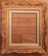 Cadre En Bois Sculpté - Format : 41x46 Cm Pour Tableau 29x34 Cm Ou 26x31 Cm Sans Encadrement Central - Other Collections