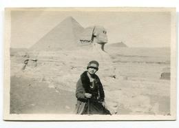 PYRAMIDE Sphinx Jeune Femme Young Woman Petite Photo Id 1927 20s Egypt Egypte - Orte
