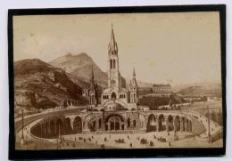 LOURDES CATHEDRALE PHOTOGRAPHE  VIRON FORMAT 100 X 145 Mm La Photo Est Collee Sur Carton Dur - Old (before 1900)