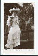 Actress Postcard Rp     Mrs Brown Potter With Dogs. Rotary Posted 1905 - Teatro
