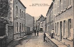 REVIN - La Rue Ledru Rollin - Très Bon état - Revin