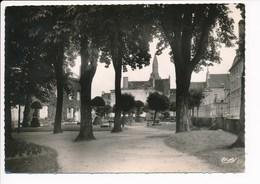 Carte  ( Format 15 X 10,5 Cm )  La Chatre  Jardin De La Mairie ( Recto Verso ) - La Chatre