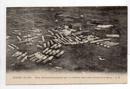 - CPA MILITAIRES - GUERRE DE 1914 - Obus Allemands Abandonnés Par Ces Derniers Après Leur Retraite De La Marne - - Equipment