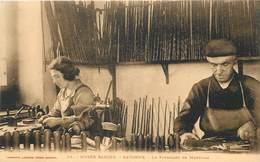 MUSEE BASQUE - Bayonne,le Fabricant De Makhilas. - Artisanat