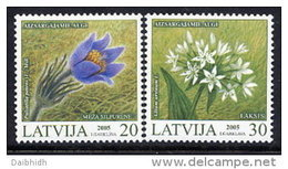 LATVIA 2005 Protected Flowers Set Of 2 MNH / **.  Michel 631-32 - Latvia