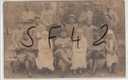 SAINT CHRISTAU     64       CARTE PHOTO MILITAIRES + INFIRMIERES  ET MEDECINS   . HOPITAL MILITAIRE - Guerre 1914-18