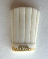RARE FEVE PUBLICITAIRE PERSONNALISEE DALLOYAU Porcelaine 2002 TOQUE 1 - Olds