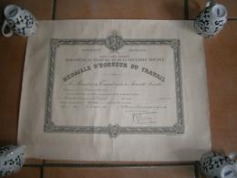 ANCIEN CERTIFICAT MEDAILLE D HONNEUR DU TRAVAIL   LAON 14/07/1958 - Diploma & School Reports