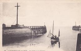 14. COURSEULLES SUR MER.  CPA. LES JETEES ET LE CALVAIRE.. ANNÉE 1932 - Courseulles-sur-Mer