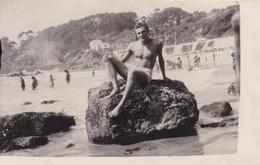 HOMBRE MAN HOMME PLAYA PLAGE BEACH MAILLOT SWIMSUIT. LAS SALINAS, VIÑA DEL MAR, CHILE.-BLEUP - Photographie