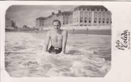 HOMBRE HOMME MAN PLAYA BEACH PLAGE SWIMSUIT MAILLOT. FOTO TOLEDO, MAR DEL PLATA.-BLEUP - Photographie