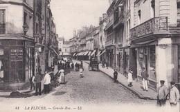 Carte 1910 LA FLECHE / GRANDE RUE (animée , Magasin) - La Fleche