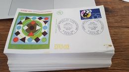 LOT 398335 TIMBRE DE FRANCE 70  PREMIERS JOUR PORT A 3 EUROS - Stamps