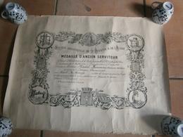 ANCIEN CERTIFICAT MEDAILLE D ANCIEN SERVITEUR 04/1944 - Diplômes & Bulletins Scolaires