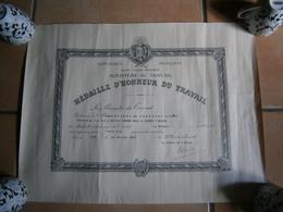 ANCIEN CERTIFICAT MEDAILLE D HONNEUR DU TRAVAIL   LAON 01/01/1962 - Diploma & School Reports