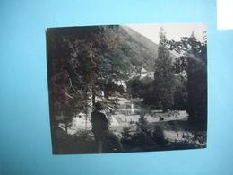 PHOTOGRAPHIE  LUCHON - 31 - Une Vue Du Centre Du Bourg  -   8,7 X  11  Cms - 1964 -  Haute Garonne - Luchon