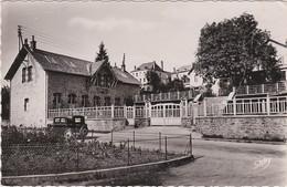 19 - NEUVIC D'USSEL  École De L'artisanat - France