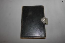 Livre De Prières, De Photos Et De Remarques D'une Femme De Ses Fiancailles Jusqu'à Son Décès 1880-1913 - Manuscritos
