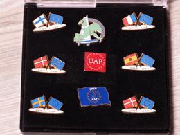 COFFRET 8 PIN'S .UAP BANQUE VOILE NAUTISME.1993. ZAMAC. - Sailing, Yachting