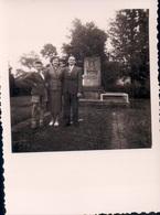 Foto Photo (6 X 8,5 Cm) Petange Luxembourg Monument Soldat Américains Tombées à La 2e Guerre Mondiale - Pétange