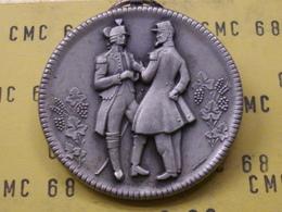 SUISSE  Medaille  150éme  Societe Vaudoise  Des  Officiers  1975  40 Mm 26 G - Other