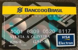 BRAZIL BANK CARD OF BRAZIL - 11/2001 - Credit Cards (Exp. Date Min. 10 Years)