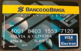 BRAZIL BANK CARD OF BRAZIL - 06/2001 - Credit Cards (Exp. Date Min. 10 Years)