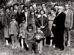 Photo Originale Photo De Famille En DDR Vers 1970 - Look Kitsch - Pin-up