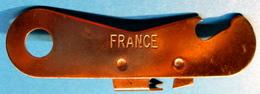 DECAPSULEUR OUVRE-BOITE FRANCE - Bottle Openers