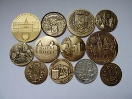Lot De 12 Médailles Des Villes - France