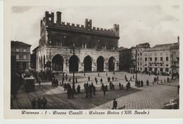 CPA -PHOTO -  PIACENZA - PIAZZA CAVALLI - PALAZZO GOTICO - 1 - L. CAMISA - A. TRALDI - Piacenza