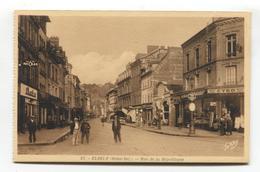 Elbeuf (76) - Rue De La République - CPA Avec Une Belle Vue Sur Les Magasins - Elbeuf