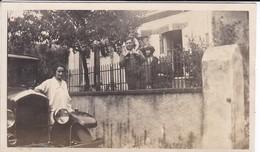 MINI-PHOTO--VOITURE---Avec La Belle Auto De Papa--Un Dimanche En Famille--voir 2 Scans - Photographie