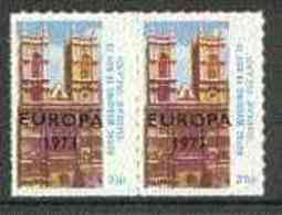 29217 (Cathedrals) Davaar Island 1973 Royal Wedding Rouletted Se-tenant Set Of 2 (3.5p & 25p Westminster Abbey) Opt' - Churches & Cathedrals