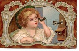Portrait D'enfant Avec Un Téléphone - Ritratti
