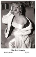 MARILYN MONROE - Film Star Pin Up PHOTO POSTCARD- Publisher Swiftsure 2000 (201/556) - Postcards
