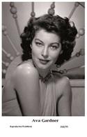 AVA GARDNER - Film Star Pin Up PHOTO POSTCARD - 268-99 Swiftsure Postcard - Artistes