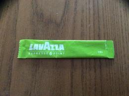 Stick De Sucre «LAVAZZA» (Guadeloupe 97) EMB 97117A (vert) Vide - Sugars